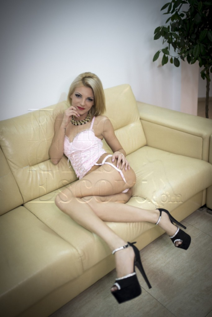 Alys - top escort in Brussels