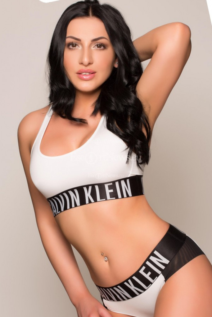 Hellena - top escort in Brussels
